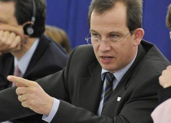 EP calls for action to boost youth employment