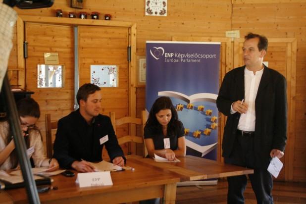 Working weekend for Csaba Sógor's trainee-candidates